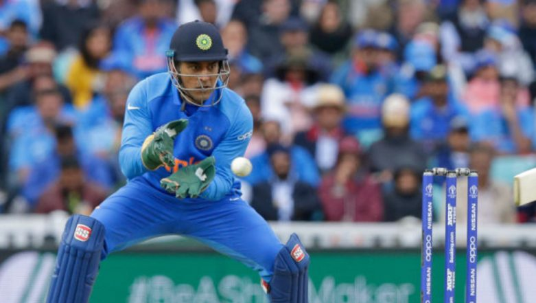 MS Dhoni Stumping Video: Watch MSD's Magic Behind the Wickets As he Stumps Kusal Mendis Off Ravindra Jadeja During IND vs SL CWC 2019 Match