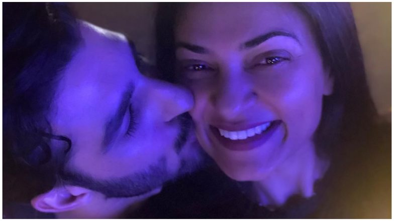Sushmita Sen's Boyfriend Rohman Shawl Plants a Kiss on Her Cheek and We Are Totally in Love with This Gorgeous Couple (See Pic)