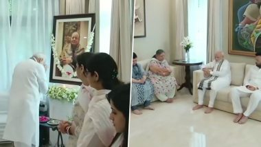 PM Narendra Modi Meets Arun Jaitley's Family Members, Pays Floral Tributes to the Late BJP Leader at His Residence