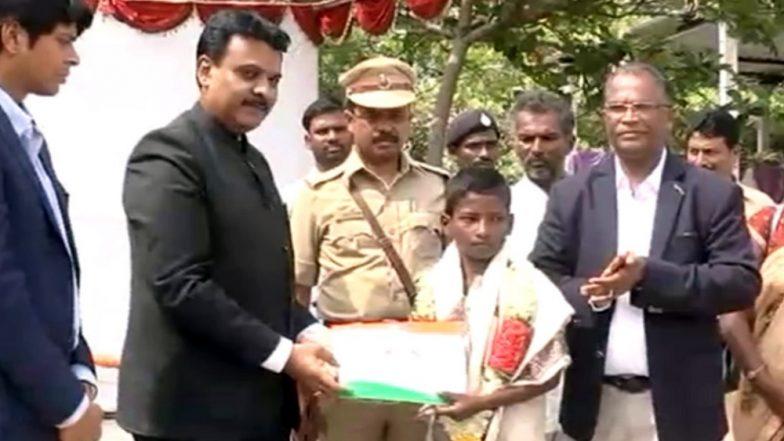 Independence Day 2019: Karnataka Boy 'Venkatesh' Feted for Escorting Ambulance Across Submerged Bridge