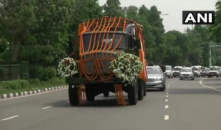 Arun Jaitley Funeral: Final Journey Begins from BJP Office to Nigambodh Ghat
