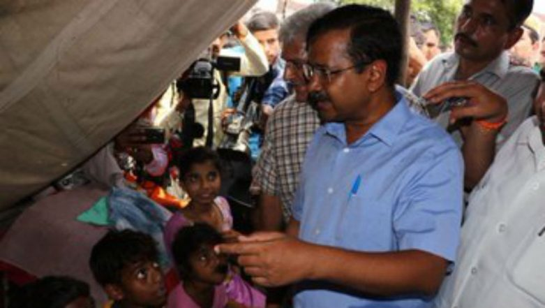 Yamuna River Overflowing: Delhi CM Arvind Kejriwal Visits Flood Affected Areas, Takes Stock of Relief Measures