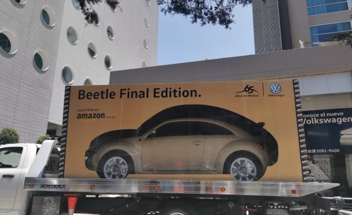 Amazon Delivers Volkswagen's 'Final Edition' Beetles in Mexico Weeks After Production of World's Most Iconic Car Stopped