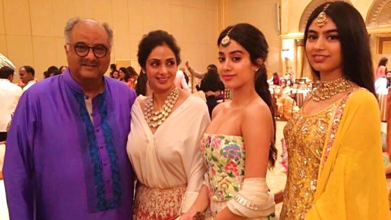 Sridevi 56th Birth Anniversary: The Late Actress' Family Pics with Husband Boney Kapoor and Daughters Janhvi-Khushi Are Sheer Happiness
