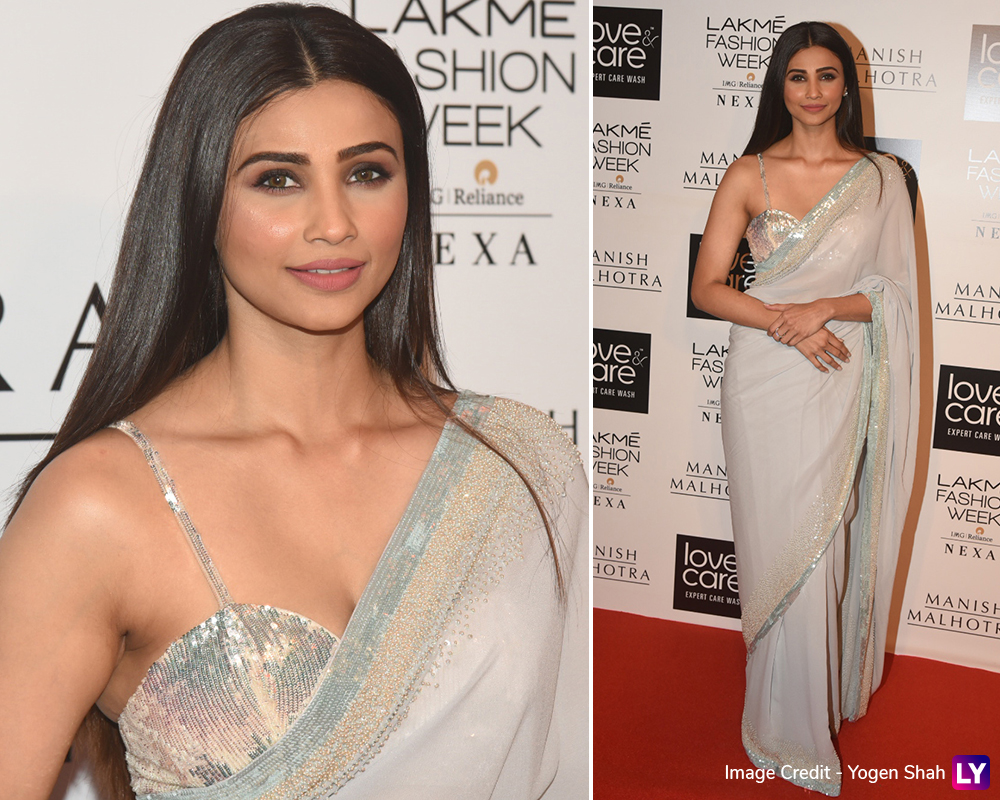Daisy Shah arrives at LFW Winter/Festive 2019 red carpet.