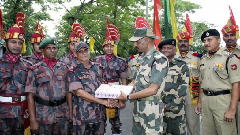 Eid al-Adha 2019: Indian, Bangladesh Border Guards Exchange Flowers and Sweets Eid on Occasion of Eid