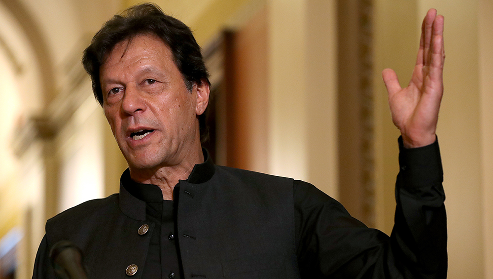 Imran Khan Given 2-Day Ultimatum to Resign as Pakistan Prime Minister by JUI-F Chief Fazlur Rehman During Azadi March