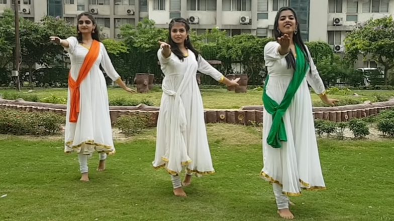 Indian Independence Day 2019 Dance Performance Ideas for School Functions: Learn Easy Dance Steps on Patriotic Songs for 15th August Celebrations (Watch Videos)