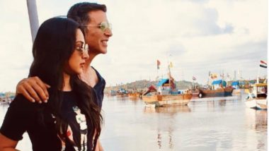 Laxmmi Bomb: Kiara Advani and Akshay Kumar Pose for an Amazing Picture and We are Convinced They are the Hottest New Bollywood Pairing