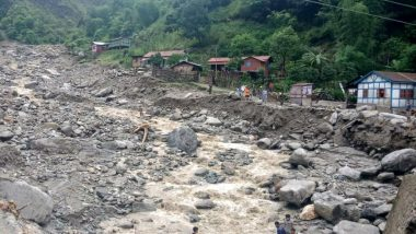 Himachal Pradesh Rains: More Than 300 Vehicles Stuck After Roads Get Blocked Due to Landslides