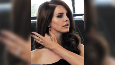 Lana Del Rey Look Book: From Winged Eyeliner to Big Hair, Here's How to Get the Singer's Signature Look