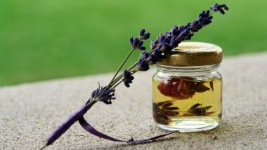 How to Use Essential Oils to Combat Anxiety? From Lavender to Peppermint, These Oils Can Help Beat Stress and Make You Feel Less Tensed