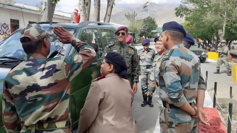 Lt. Col MS Dhoni Celebrates 73rd Indian Independence Day in Army Uniform at Ladakh (View Pic)