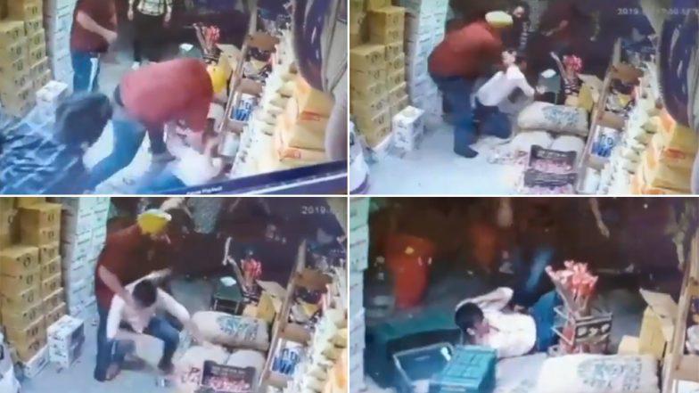 Delhi Man Thrashed After Road Rage Incident in Punjabi Bagh, Watch Shocking Video