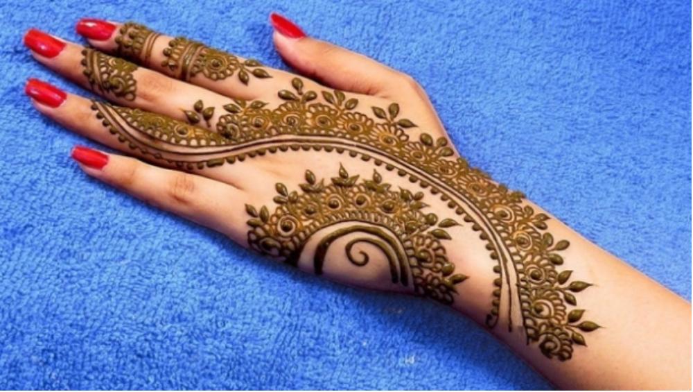 mehndi design on back side