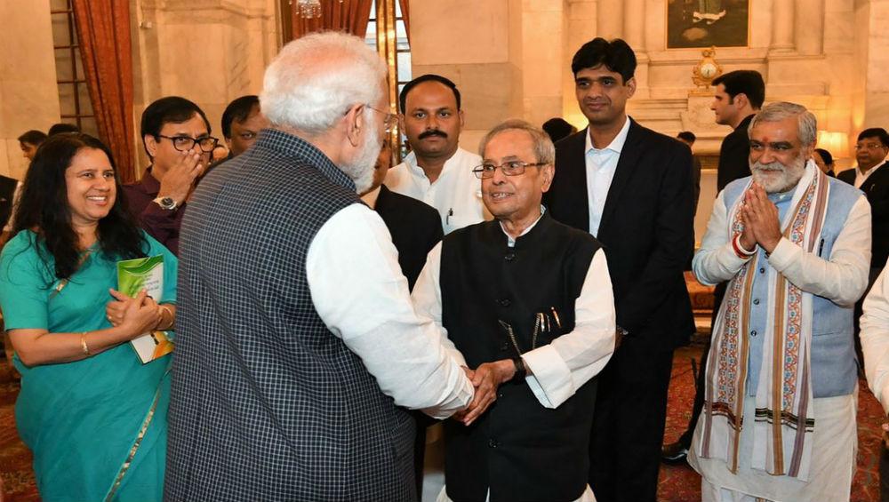 PM Narendra Modi Greets 'Remarkable' Former President Pranab Mukherjee on Birthday