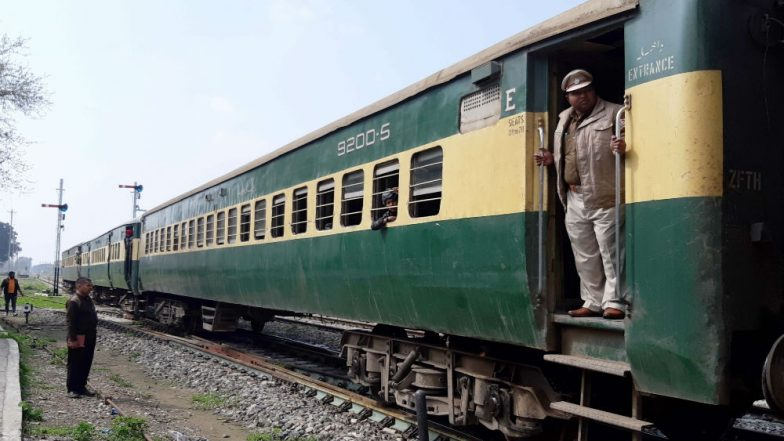 Samjhauta Express Arrives at Attari Border Hours After Pakistani Crew Members on Train Refused to Enter India, Watch Video