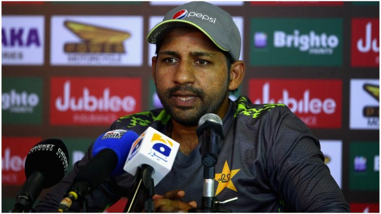PCB Bans Journalist for Insulting Pakistani Captain Sarfaraz Ahmed, Scribe Asked Him, 'Who Will Come to Watch You Perform in Future Matches?' (Watch Video)