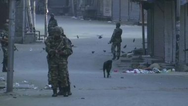 Kashmir Turmoil: Security Tightened After Section 144 Imposed; Union Cabinet to Meet Following Omar Abdullah And Mehbooba Mufti's House Arrest