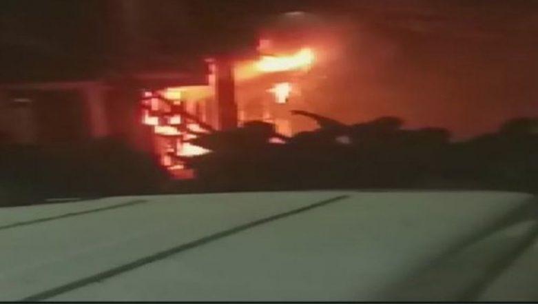 Delhi: Major Fire Breaks Out at Multi-Storey Building in Zakir Nagar, 6 Dead And Several Injured