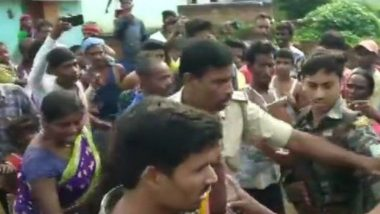 Jharkhand: Woman Thrashed By Mob Over Suspicion of Being Child-Lifter in a Case of 'Misunderstanding'