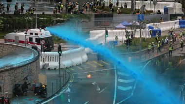 Hong Kong Police Fire Water Cannon, Tear Gas as HK Protesters Mass Outside Parliament