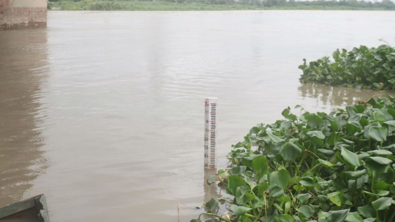 Yamuna River Crosses 'Warning Mark', Delhi CM Arvind Kejriwal Call Emergency Meeting