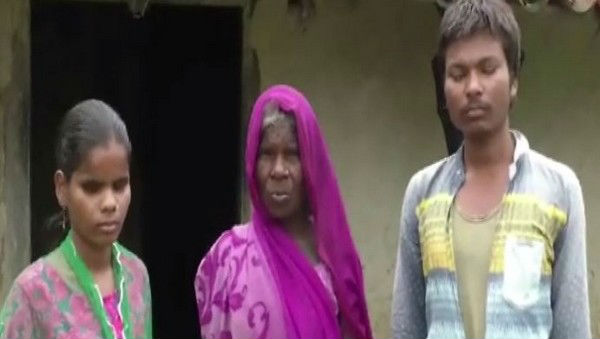Chhattisgarh: Widow Seeks Government's Help to Procure Rations for Self, Two Blind Children