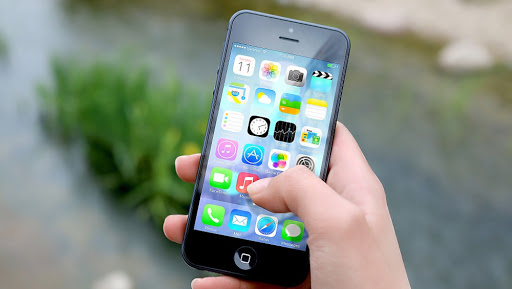 Russian Man Sues Apple as iPhone App Turned Him Gay, Claims Damages Worth 1 Million Rubles For Affecting His Sexuality