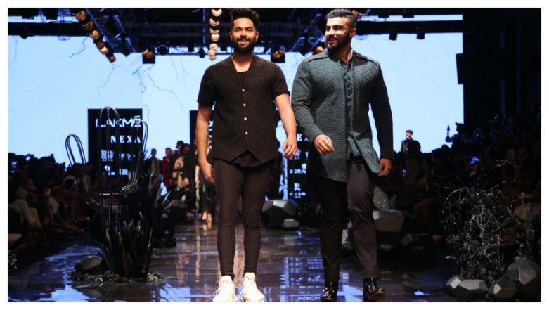 LFW Winter/Festive 2019: Arjun Kapoor Walks for BFF Kunal Rawal in a Sexy Sherwani (See Pics)