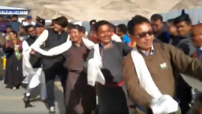 Jamyang Tsering Namgyal Dances With Locals During 73rd Independence Day Celebrations; Ladakh MP's Cool Moves Impresses Twitterati (Watch Viral Video)