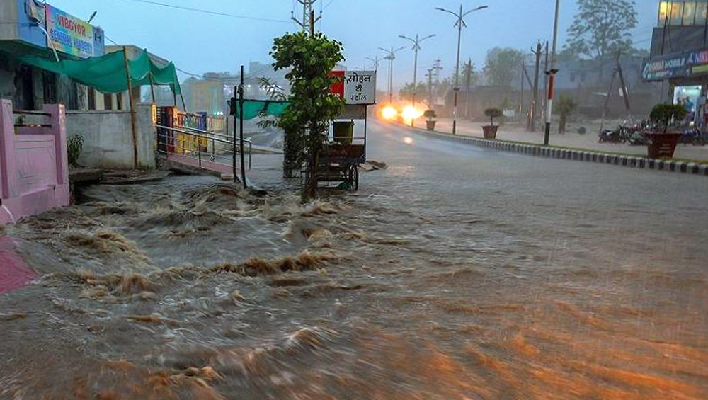 Kerala Rains: Schools in Kochi to Remain Closed Today After Heavy Rainfall Batters City, IMD Issues Orange Alert; Watch Video