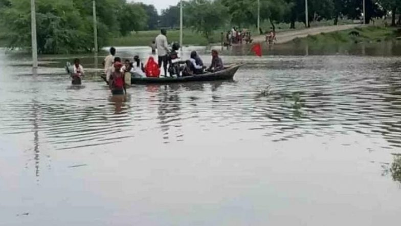 Uttar Pradesh – Water Level close to danger mark in Ganga.
