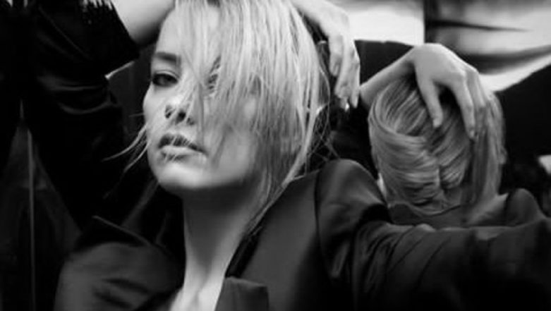 Amber Heard Frees the Nipple in This NSFW Instagram Picture, Supports The Social Campaign by Slipping into a Blazer Braless!