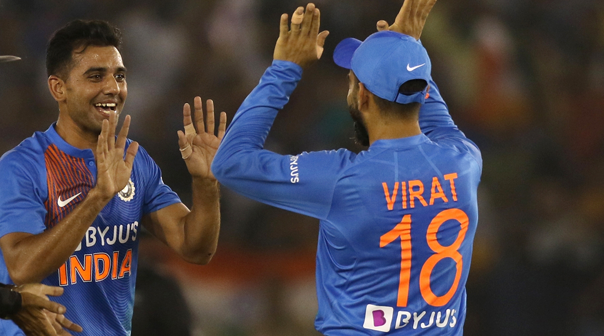 Virat Kohli Gets Praise From Deepak Chahar After Victory in 2nd India vs South Africa T20I 2019, Pacer Says 'Don't Know How He Manages That Consistency'