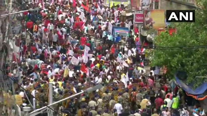 West Bengal Protests: Clashes Break Out Between Police and Left Activists in Howrah
