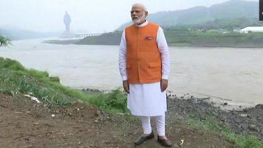 Sardar Sarovar Dam Oustees Observe 'Dhikkar Diwas' on Narendra Modi's 69th Birthday, Dump PM's Effigy in Narmada River