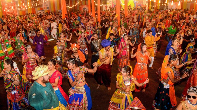 Easy Garba Dance Steps for Beginners: Ahead of Navratri 2019, Watch Video Tutorials to Learn Basic Garba Steps