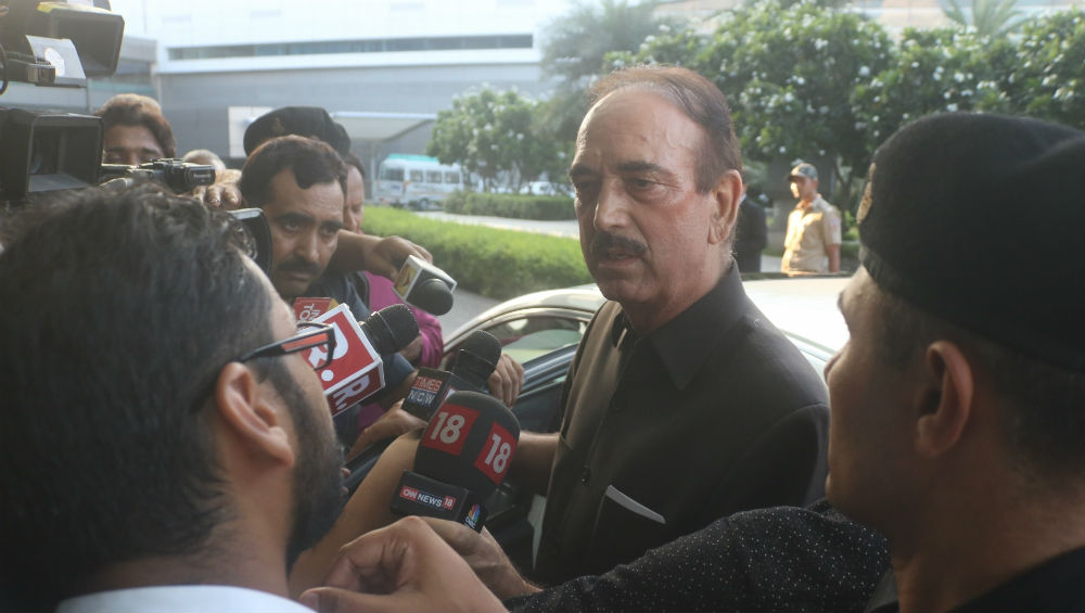 Ghulam Nabi Azad Says 'No Democracy in Jammu and Kashmir' After Abrogation of Article 370, Claims People in J&K Living in Fear of Administration