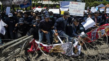 Indonesia Police Fire Tear Gas at Students Protesting Against Pre-Marital Sex, Graft Laws (Watch Video)