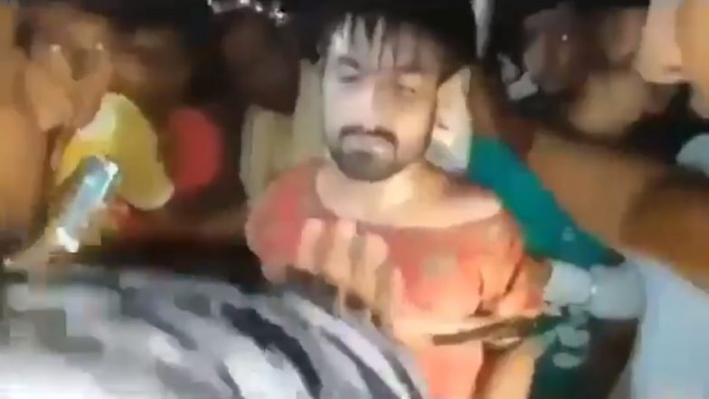 Kashmiri Student Beaten by Mob in Rajasthan's Alwar, Forced to Wear Woman's Clothes; Locals Capture Video