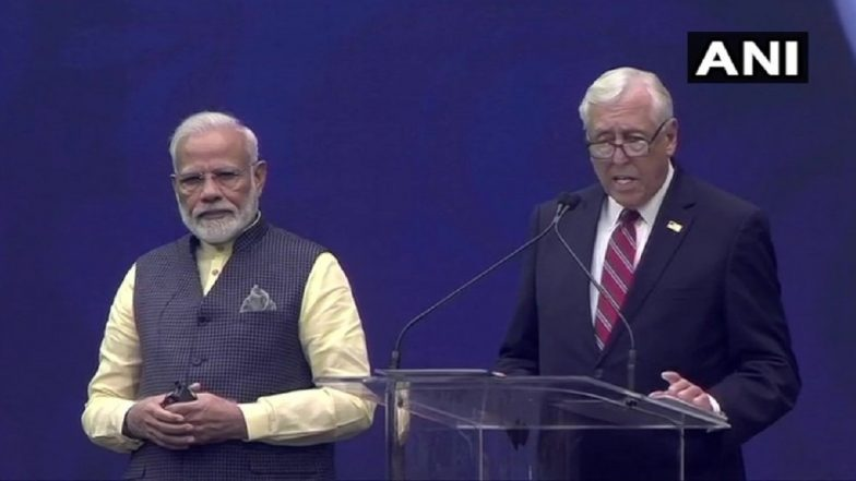 'Howdy, Modi!': PM Modi by His Side, US Congressman Steny Hoyer Invokes Jawaharlal Nehru to Stress on Secularism, Human Rights Protection