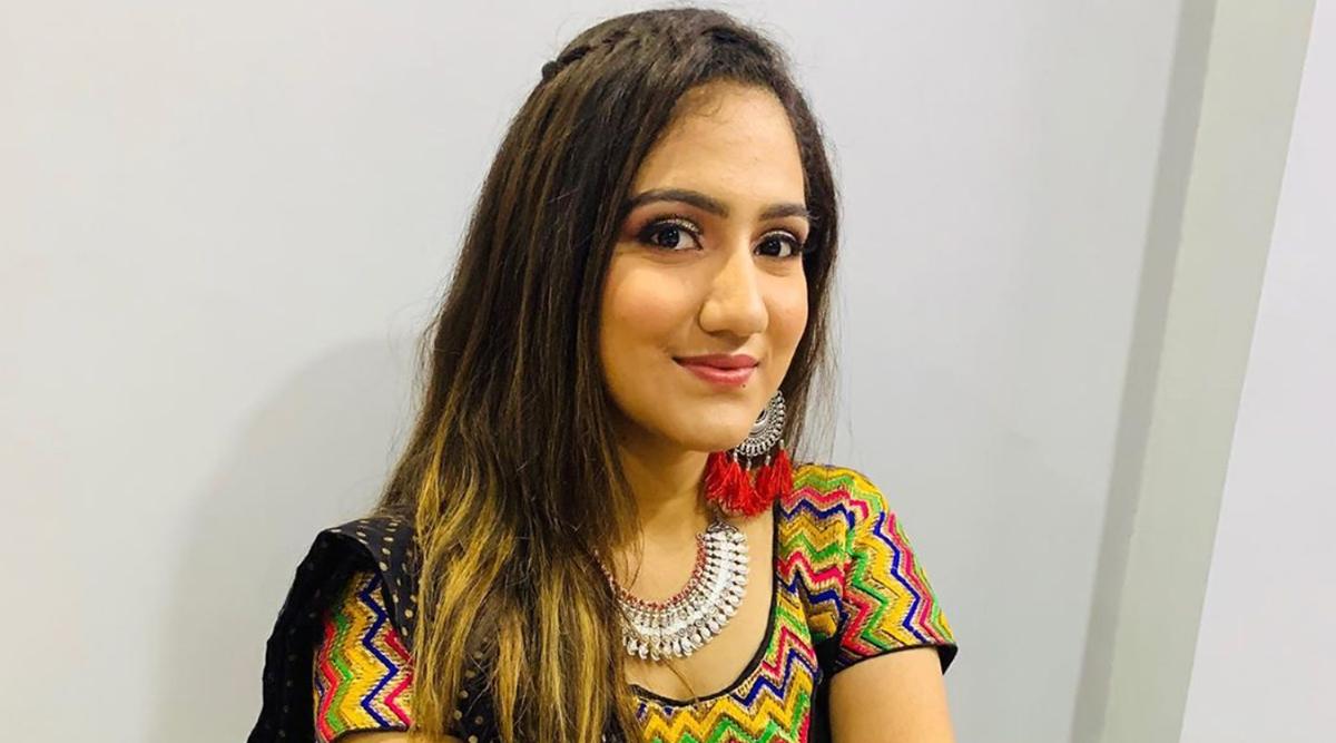 Navratri 2019 Makeup Tips: Ways to Keep Your Makeup Simple and Light for Garba and Dandiya Nights
