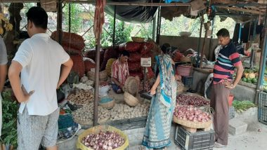 Uttar Pradesh: Man Steals Onion, Tomatoes, Garlic in Lucknow After Prices Soar