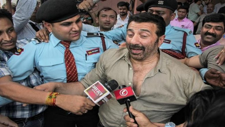 Batala Firecracker Factory Blast: Gurdaspur MP Sunny Deol Meets Victims at Hospital Nearly 24 Hours After Fatal Explosion