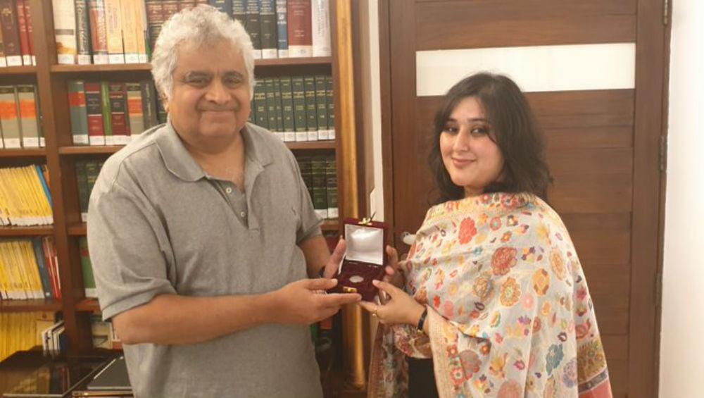 Sushma Swaraj's Daughter Bansuri Fulfills Mother's Promise to Lawyer Harish Salve Regarding Kulbhushan Jadhav Case, See Emotional Picture