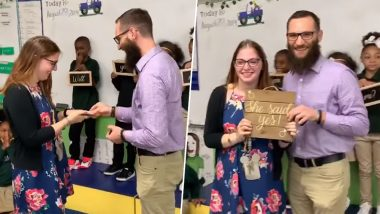 US School Teacher Proposes to Girlfriend As Excited Students Hold 'Will You Marry Me?' Signboards (Watch Video)
