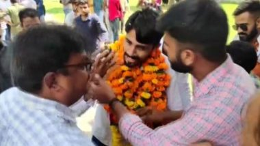 Dayanand College Principal Stops Student Union President From Celebrating His Birthday Inside Campus in Rajasthan, Slaps Him on Getting Smeared With Cake; Video Goes Viral