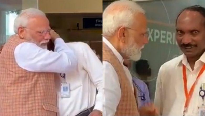 Chandrayaan-2 Shortfall: ISRO Chief K Sivan Breaks Down; Narendra Modi Hugs, Consoles Him (Watch Video)