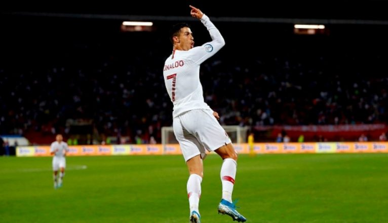 Cristiano Ronaldo Silences Serbian Crowd With a Goal After they Chant 'Messi Messi' During Serbia vs Portugal, Euro 2020 Qualifier (Watch Video)